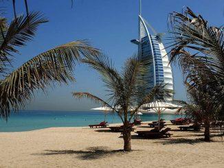 what not to do in Dubai tourist beach